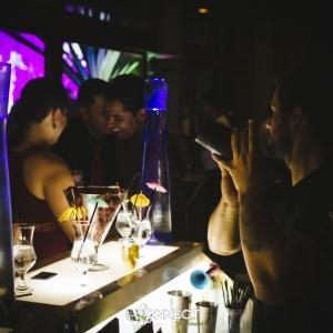 thumb_bartender_trabalha_prepara.jpg