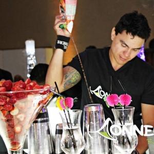 Bartender_Prepara_drink