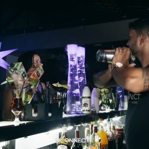 Bartender_shake